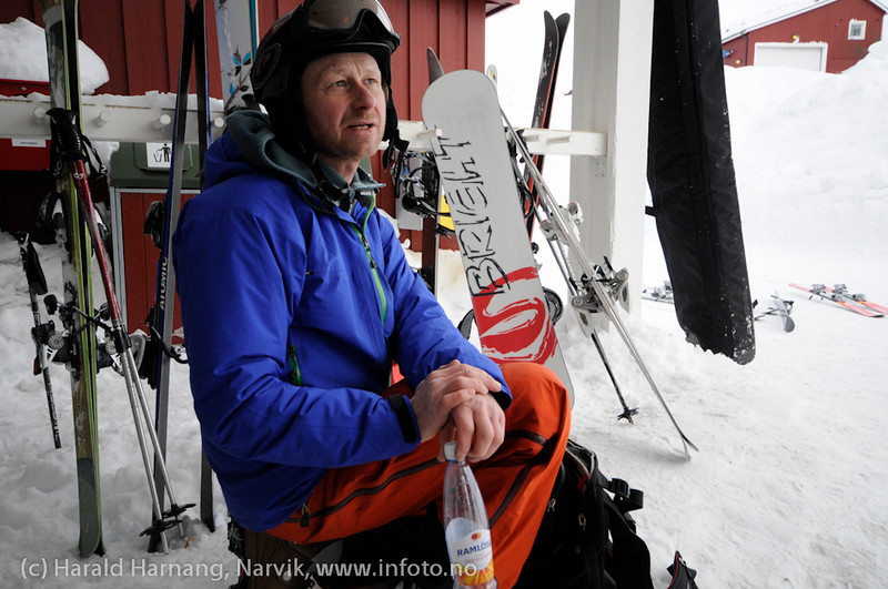 Fjell og sportsfotograf Lars Thulin. Uten kamera, men med Ramlösa.
