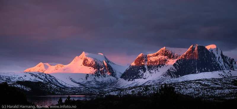 Efjord, fjellrekke. 2. mai 2020