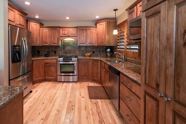 Kitchen_8502454-1