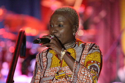 Angelique  Kidjo - New Haven Jun07
