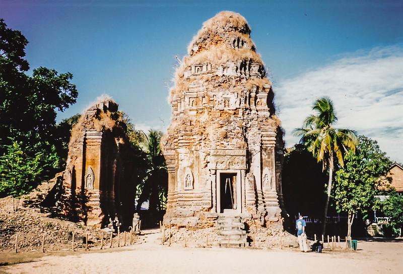 Roluos, Angkor Wat