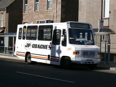 JP Minicoaches Forfar M713FMR E High St Forfar Oct 07