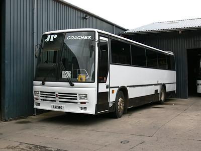 JP Minicoaches Forfar E41SBO Depot Forfar Oct 06