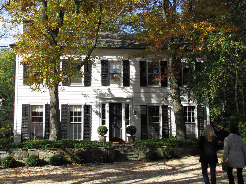 this Colonial was adjacent to the red barn and had its own entrance on to Guard Hill Road.  It was not part of the tour, but is a guest house on the Crowfield property.