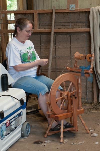 spinning alpaca wool