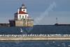 02-04-2012-Seagulls-Lighthouse-8651