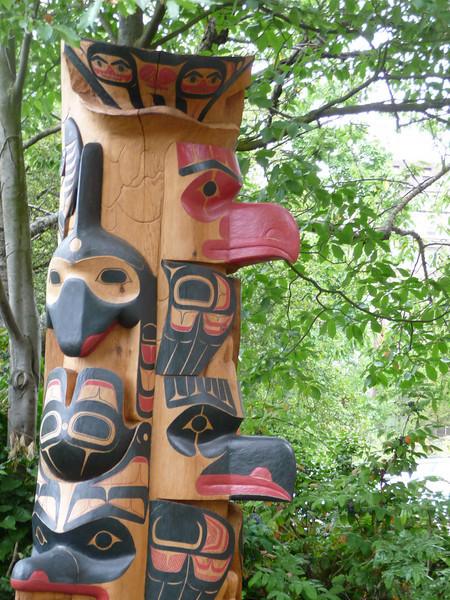 Burke Museum - exterior garden - Pacific Northwest - Totem Pole - prominent bird beaks...
