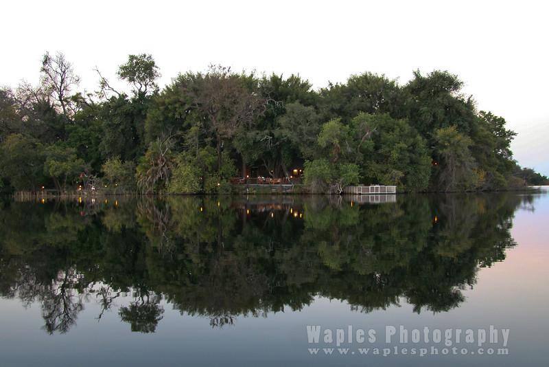 Xugana Lodge in Reflection