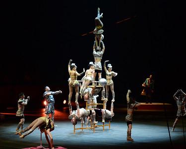 Mongolian acrobats 01