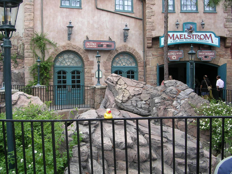 Here's Duck outsie the Malestrom ride in Norway.  This ride was one of his favorites, but he did not sit through the movie at the end.  It was TOOO long.