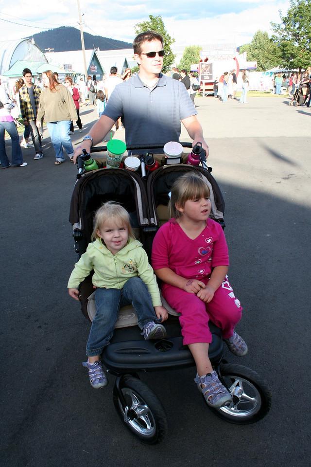 Makenna & Anissa enjoying the 2010 Fair.