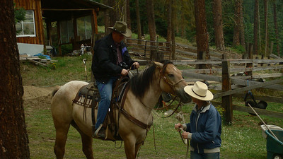 Lorinda was able to get some pictures of dad on his horse. As it was my first time riding I did not want to risk taking pictures & falling off my horse. Dad got mounted on his horse after I got on mine.