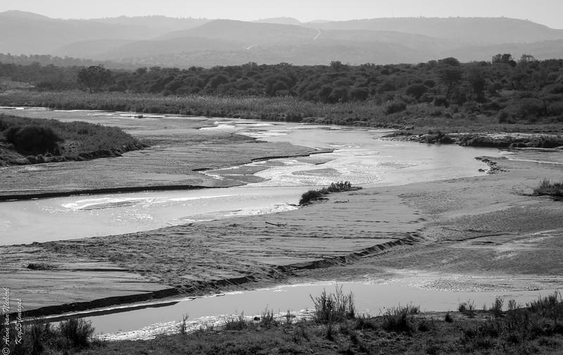 The Hluhluwe river - elephant crossing!