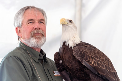 Pete Griffin of the Charlie Elliott Wildlife Center and a Bald Eagle