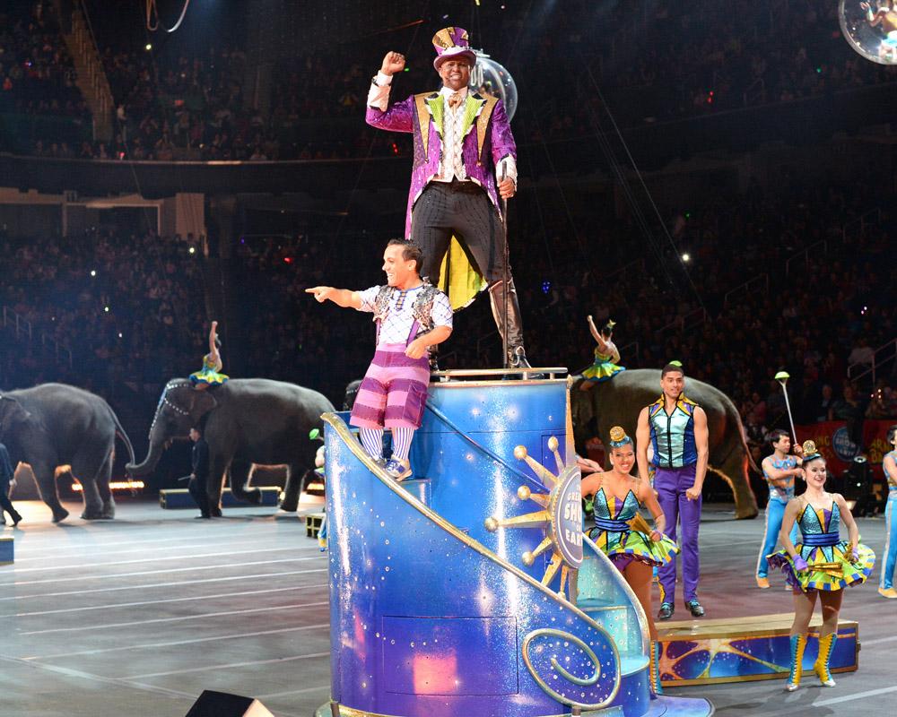 Circus parade 02