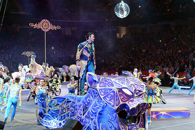 Circus parade 01
