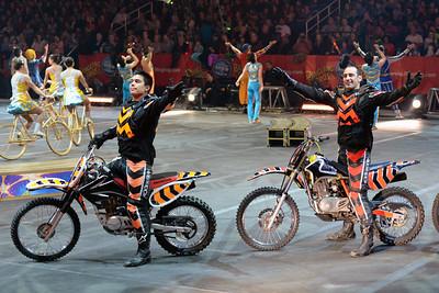 Circus parade 03