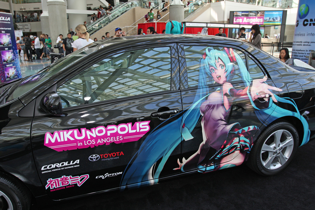 The 2011 Corolla was named the Official Car of Miku's July 2 concert at Anime Expo.