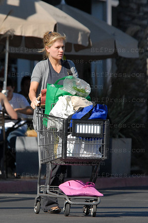Anna Paquin is making a lot of grocery shopping at Whole Food in Venice,California.
