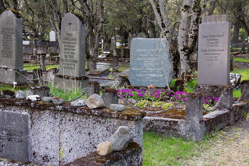 Reykjavik - Holavallagarour Cemetery, dates back to 1838