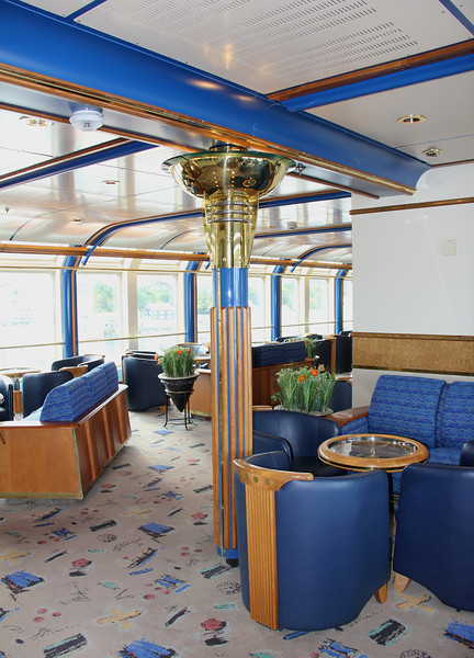 One of the sitting rooms on the 4th deck