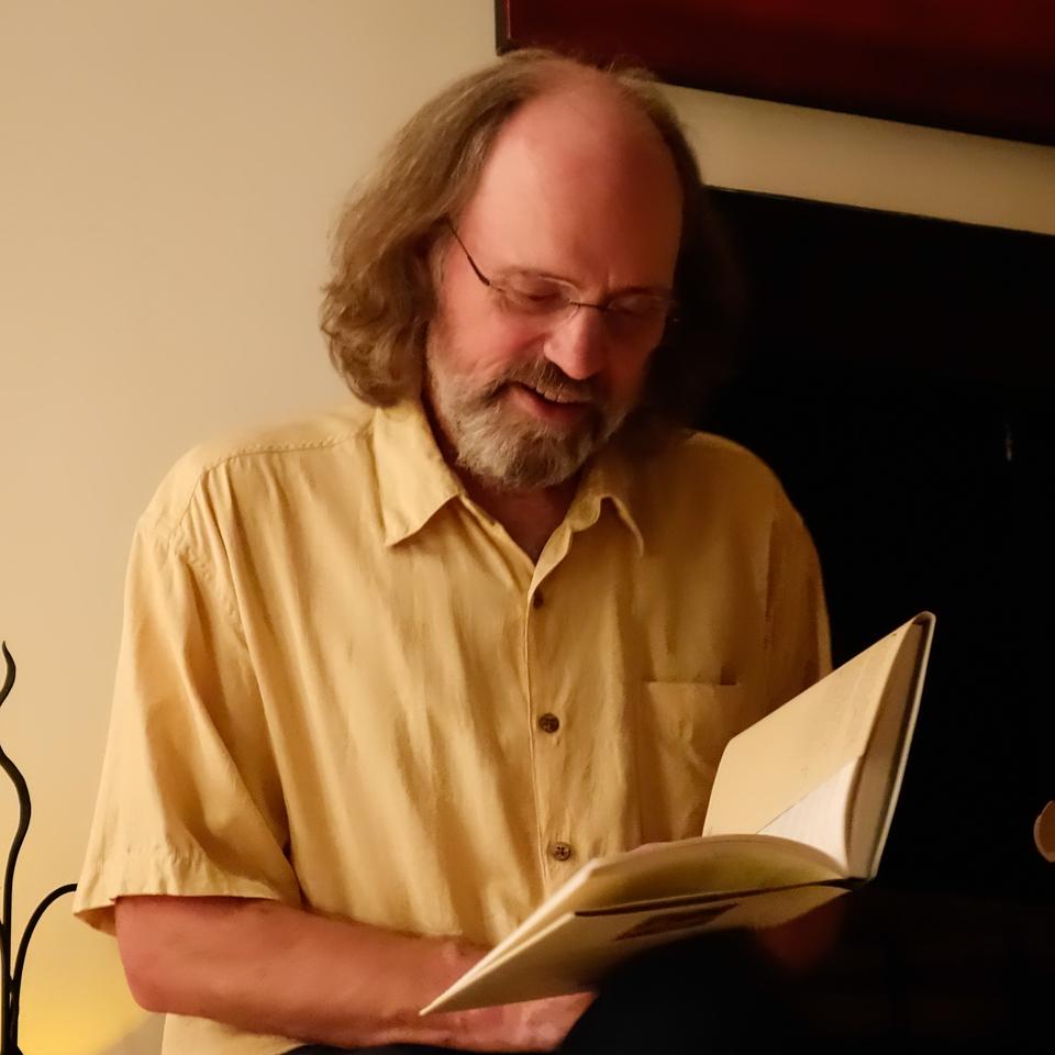 Rob reading the non- traditional Xmas story.