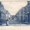 """An0097 <br /> Het café 'het Bruine Paard"""". Rechts het woonhuis van G. Vlasveld, afgebroken in 1933."""