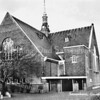 An0072 <br /> De gereformeerde kerk (Julianakerk) is gebouwd in 1911 en verbouwd in 1927/28 door architect B.T.Boeijinga. Foto: 1958.