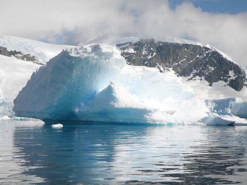 Icicle laden iceberg