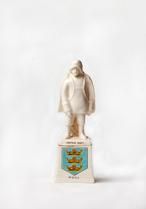 Porcelain commerative statuette issued by Hull.  Photo by UNH.
