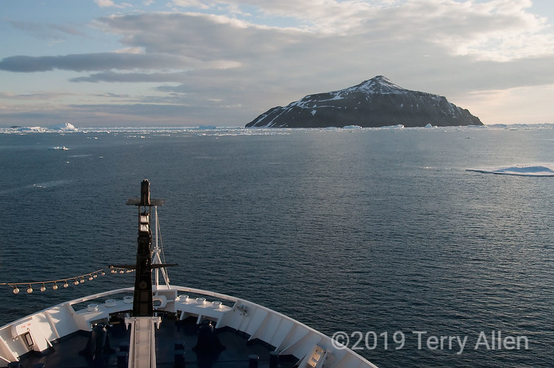 Paulet-Island-&-pack-ice,-Antarctic-Sound