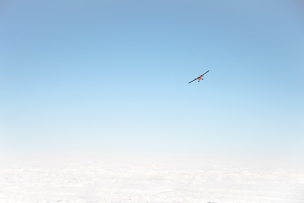 Twin Otter leaving Theils Depot, S85º, Antarctica