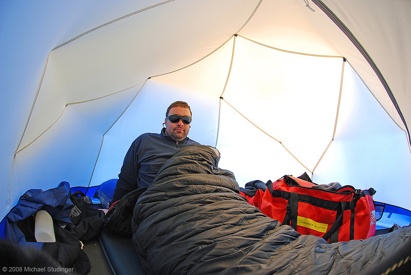 A very happy camper. The temperature inside the tent is around -11°C. It will get pretty warm inside the sleeping bag tough.