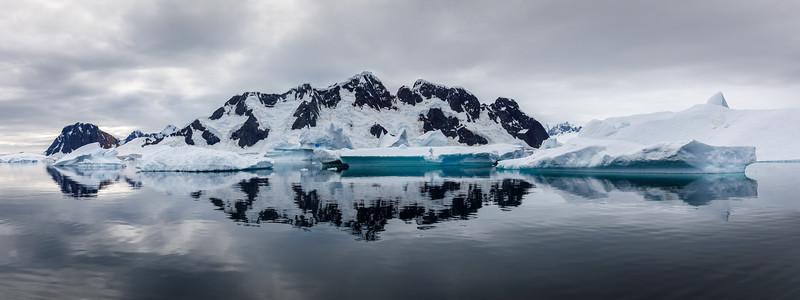 Sensational icy scenes in the iceberg graveyard near Pleneau Island