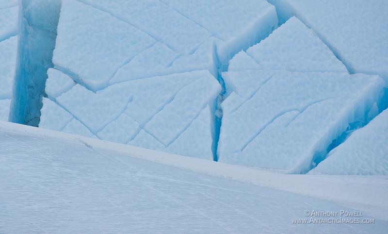 Pressure ridge, Razorback Island