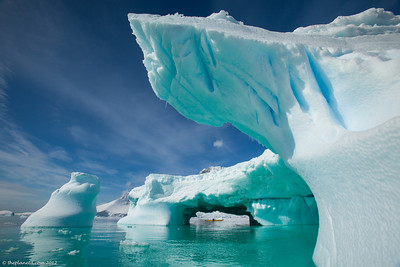 Kayaking-Antarctica-10