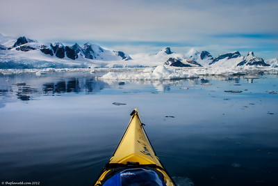 Kayaking-Antarctica-12