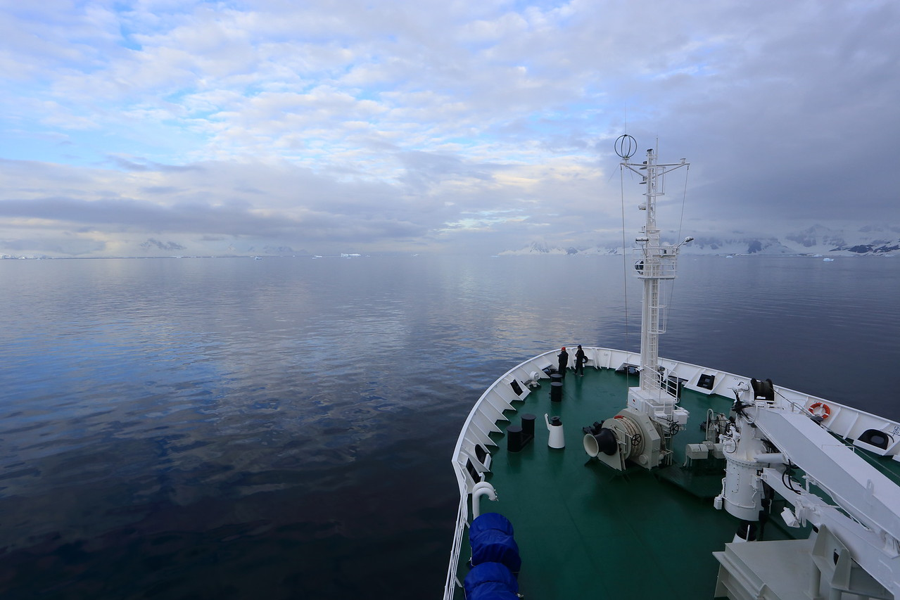 heading north in the Gerlache Strait, some sun now.