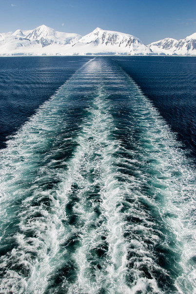 Ship wake, Gerlache Strait