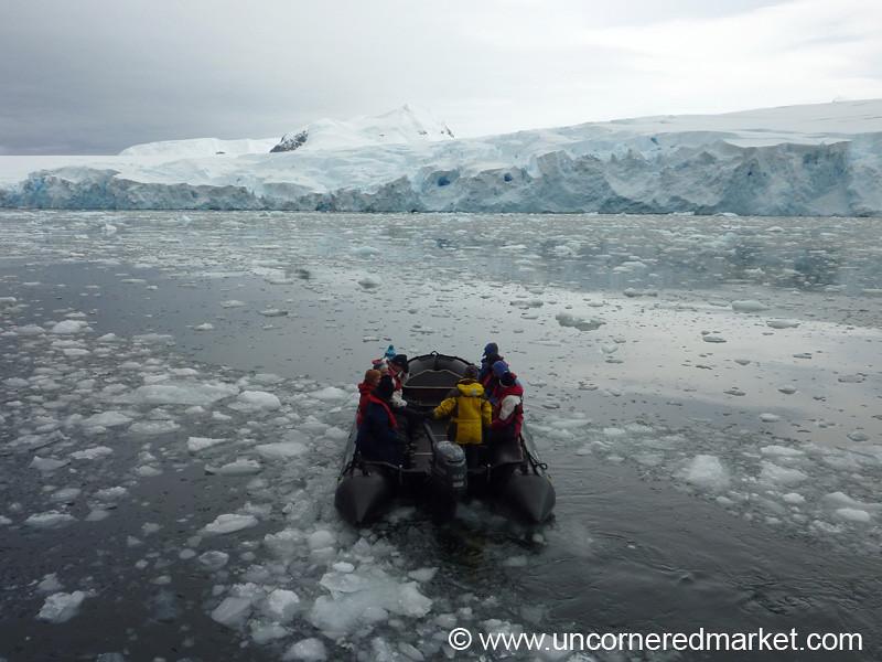 Zodiac Ride Around the Fish Islands - Antarctica
