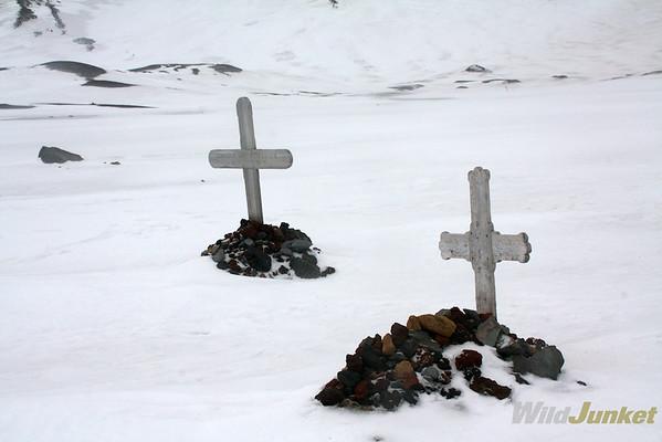 gravestones of whalers