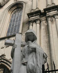 One of the statues in front of Casa de Misericordia.