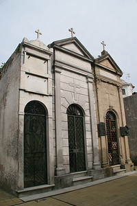 Crypts of all sizes line the narrow lanes at Recoleta Cemetery.
