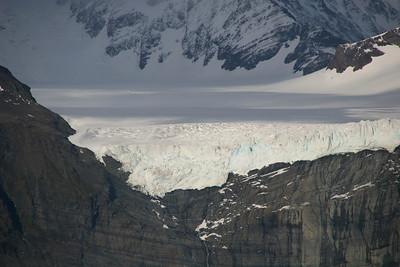 Gold Harbour - hanging glacier.