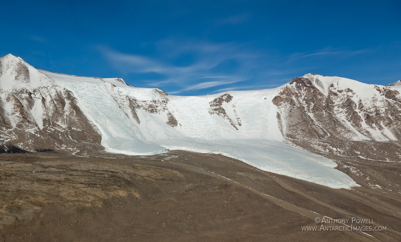 Glacier flowing into the Taylor Valley above Lake Bonney, Dry Valleys, Antarctica.