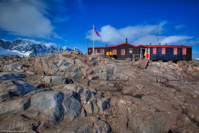 Antarctica-port-lockroy-postal-office-1