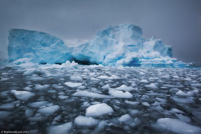 Antarctica-landscape-ice-1