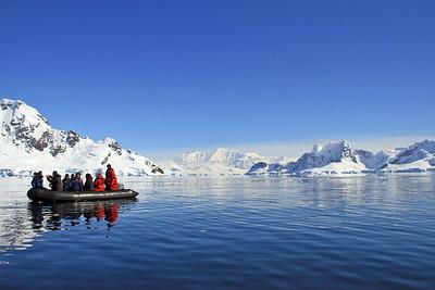 antarctica-zodiac-1