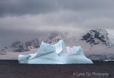 Floating Pinnacle Iceberg