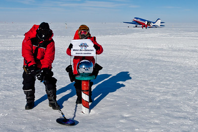 Landon Noll and Nancy Miller search for meteorites at the South Ceremonial Pole